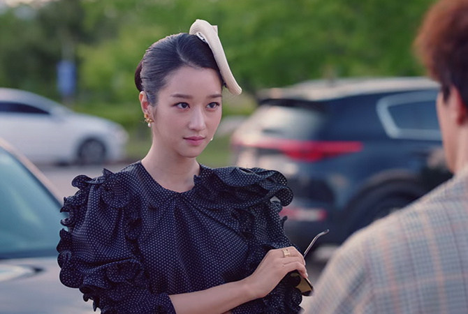 Style ID: The luxury brands behind Seo Ye-Ji's fashionable outfits on 'It's Okay To Not Be Okay'—updated weekly (фото 30)