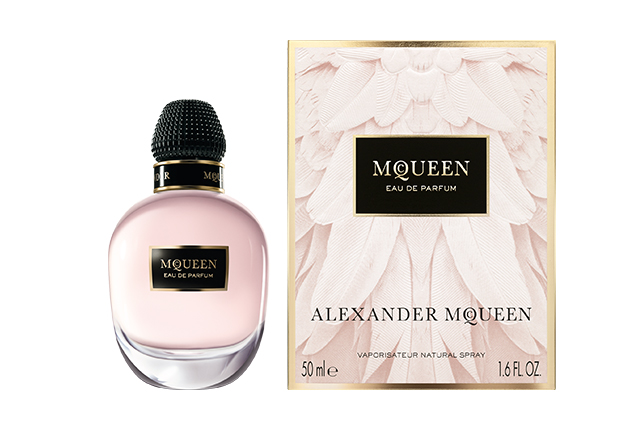 Alexander McQueen's first fragrance under Sarah Burton available in stores this December (фото 2)