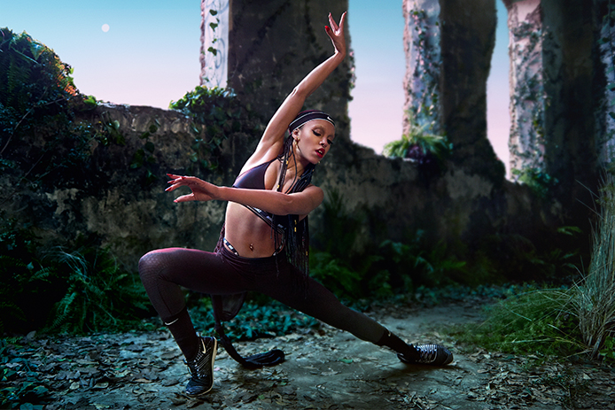FKA Twigs directs and stars in fantastical video for Nike (фото 1)