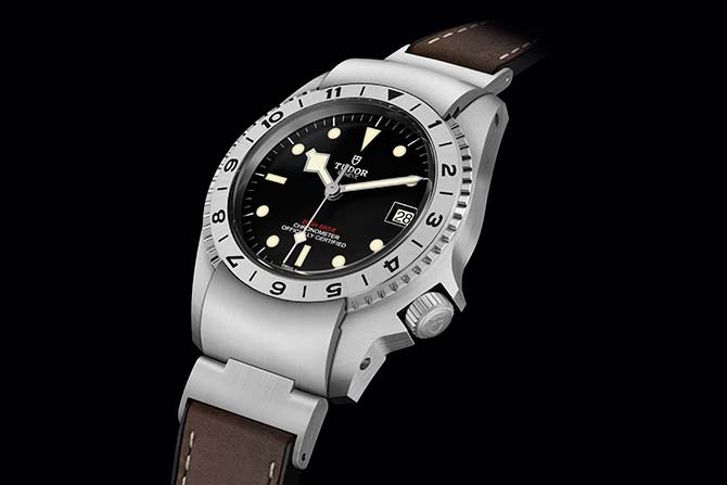 The offbeat design of Tudor Black Bay P01 finds its roots in the 1960s (фото 1)