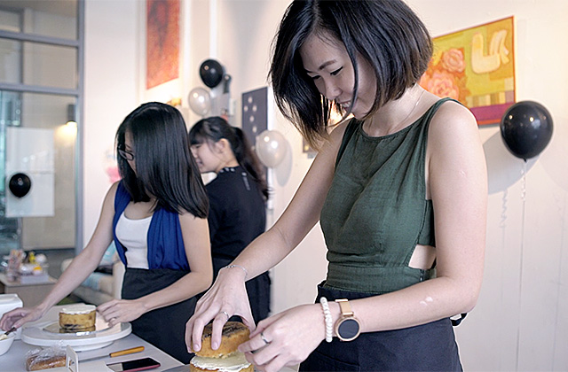 Buro Tries: Paint That Cake Workshop with The Buttercake Factory & ArtSeni Gallery