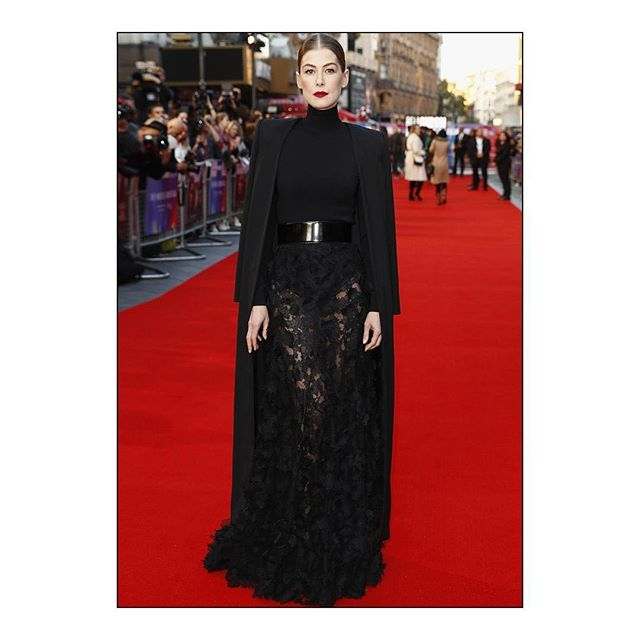 GIVENCHY FAMILY: #RosamundPike wore a #Givenchy Haute Couture Spring Summer 2018 outfit, designed by @ClareWaightKeller, to the A Private War UK Premiere held during the 62nd BFI London Film Festival. #GivenchyFamily #GivenchyCouture