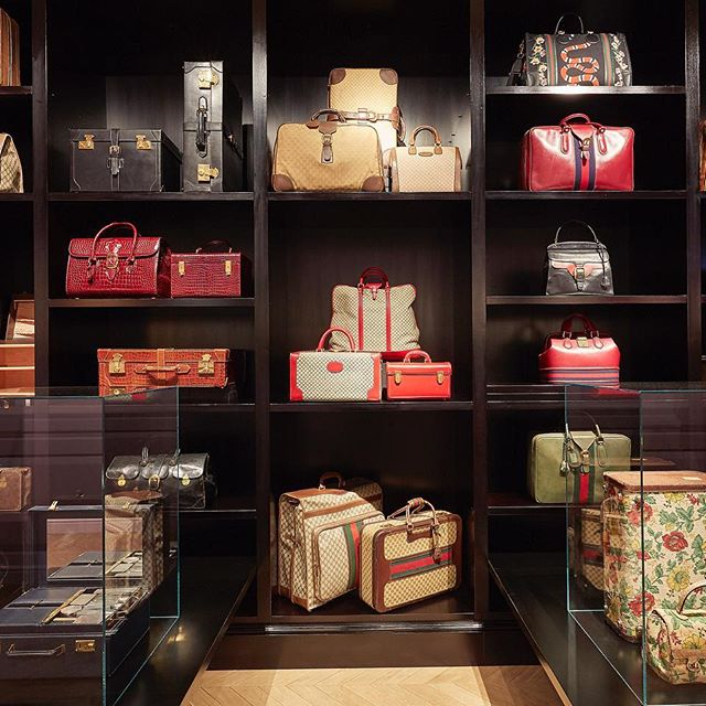 At the #GucciGarden in Florence, six new rooms welcome new narratives conceived by @alessandro_michele and curated by Maria Luisa Frisa @lafrisa.  Bagology  displays archival pieces from the 1950s juxtaposed with bags from the present and  Cosmorama  is a space full of luggage, trunks and hat boxes that focuses on the theme of the journey. Discover more through link in bio. #AlessandroMichele