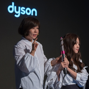 Blackpink's Jennie's hairstylist shares how she uses the Dyson Supersonic hair dryer and Airwrap styler