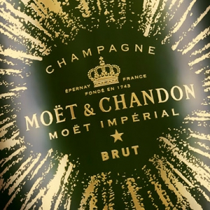Celebrate the end of 2016 with Moët & Chandon's 'Bursting Bubbles' collection