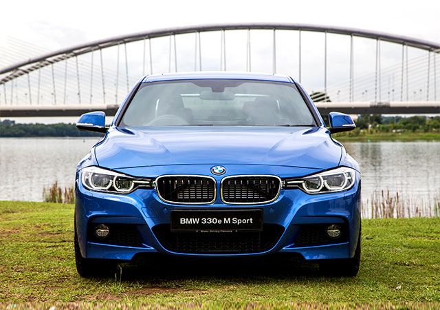 Step 2 of my attempt for a more sustainable lifestyle: Driving the BMW 330e M Sport