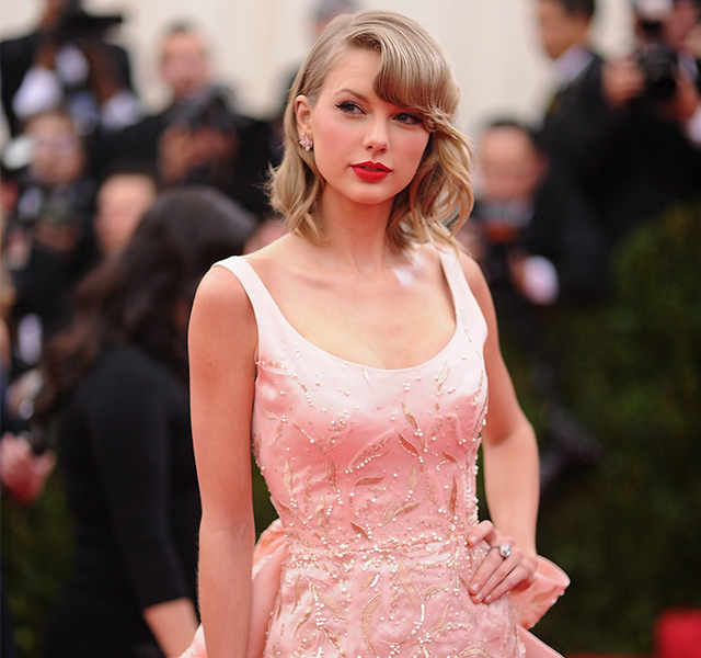 7 Reasons why Taylor Swift is our red carpet style crush