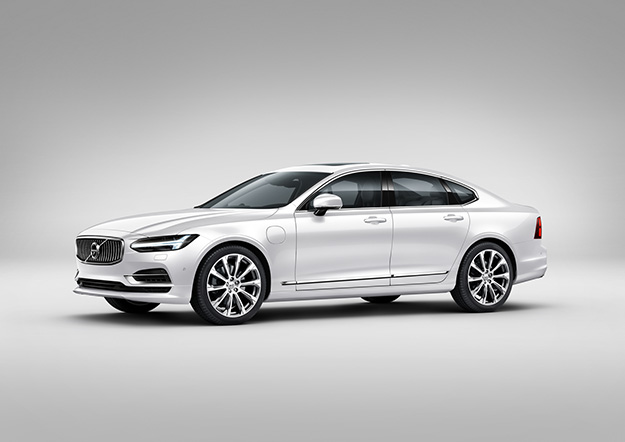 The Volvo S90 T8 Twin Engine