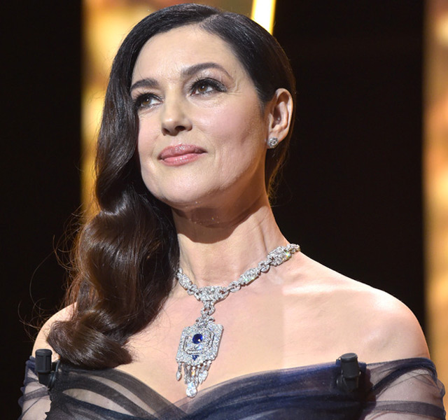 Monica Bellucci wore a necklace in platinum, sapphires and diamonds from Cartier's High Jewellery collection