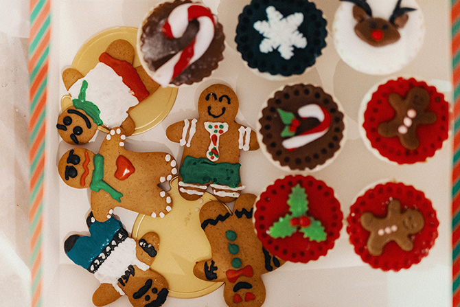 Last, but not least, the decorating baked goods workshop