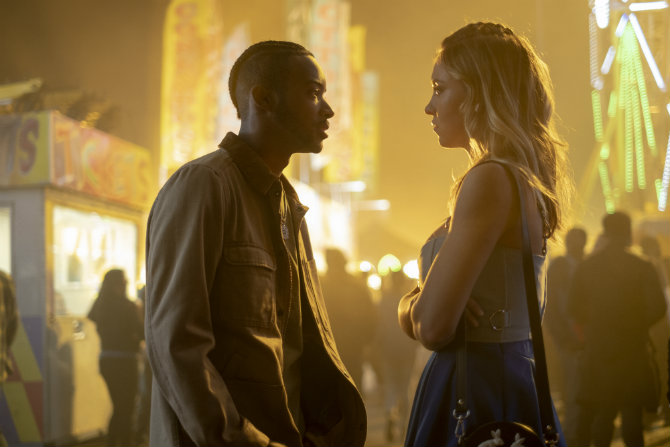 Algee Smith as Chris McKay and Sydney Sweeney as Cassie Howard