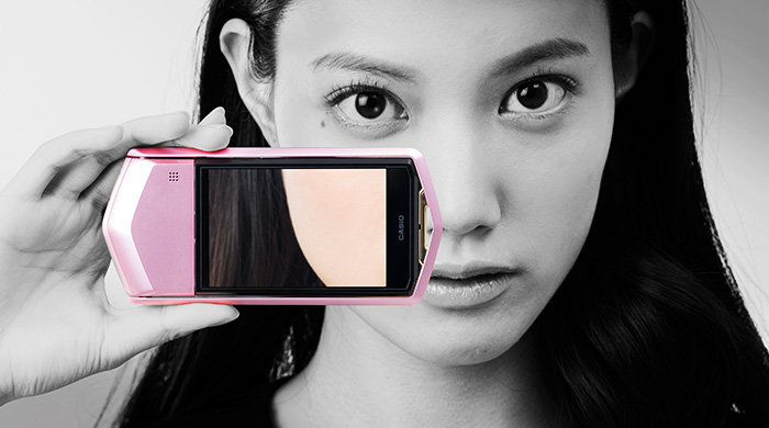 Love to take selfies? This camera is perfect for you