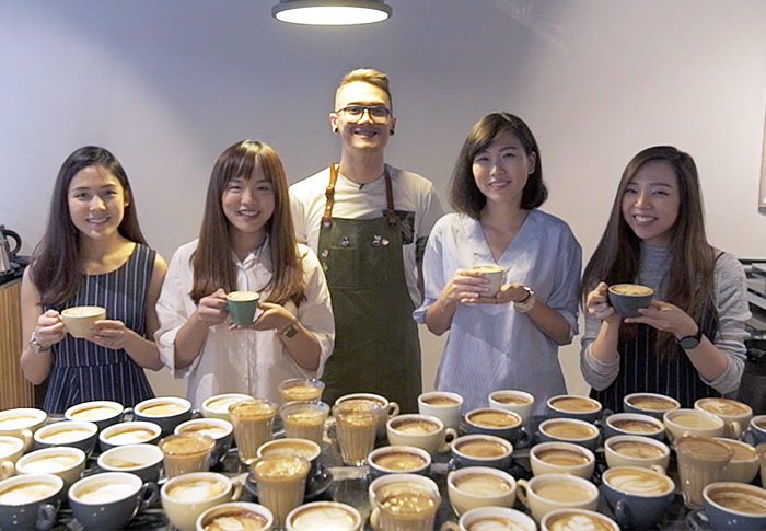Buro Tries: Latte Art with Common Man Coffee Roasters KL